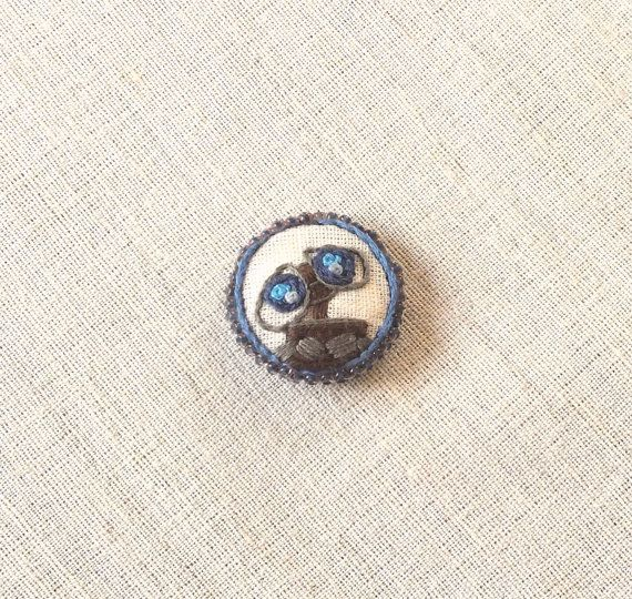 Wall-E Brooche maluenda embroidery art by MaluendaHandmade on Etsy