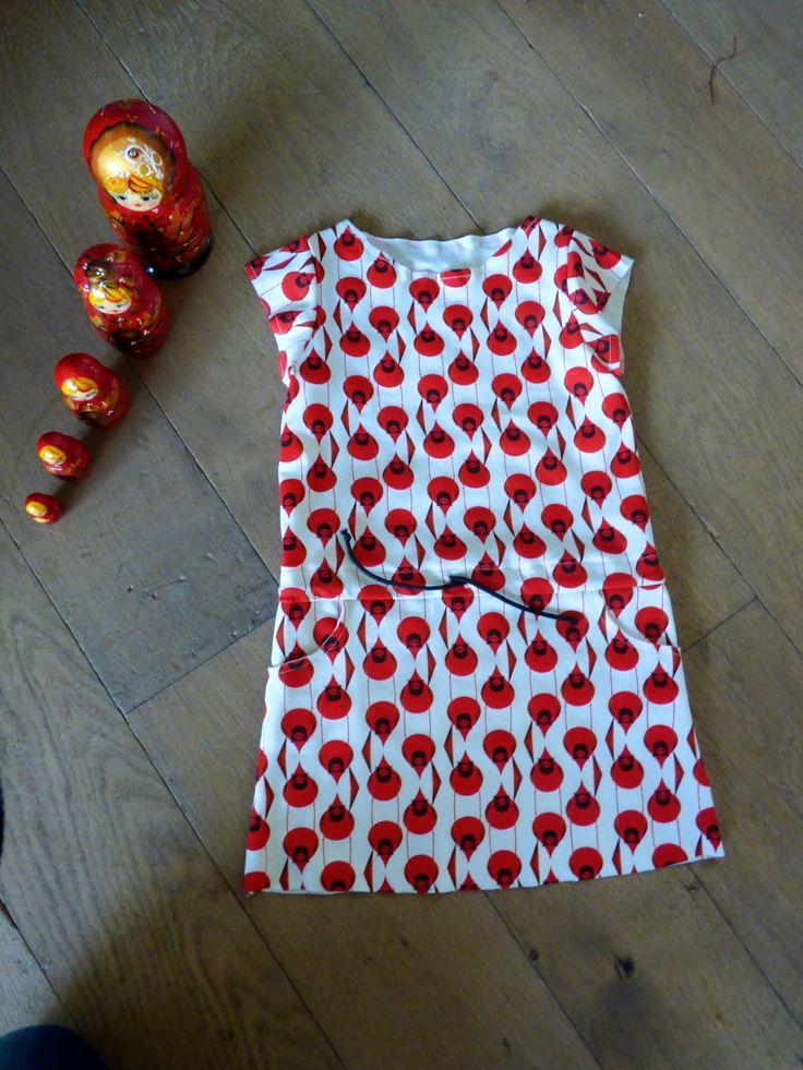 Buiten is het vrieskou maar binnen werken we al aan de stuks voor warmere dagen.De Candy Dress...