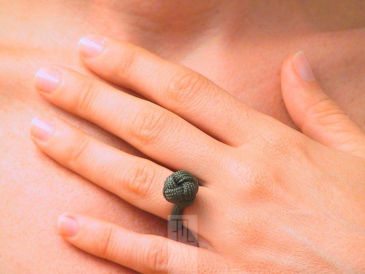 Anelli - anello personalizzabile con nodo diamante in verde - un prodotto unico di FMLdesign su DaWanda