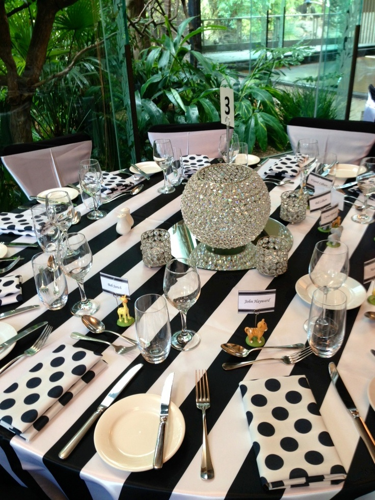 1000 images about black and white style on pinterest wedding table centerpieces melbourne. Black Bedroom Furniture Sets. Home Design Ideas