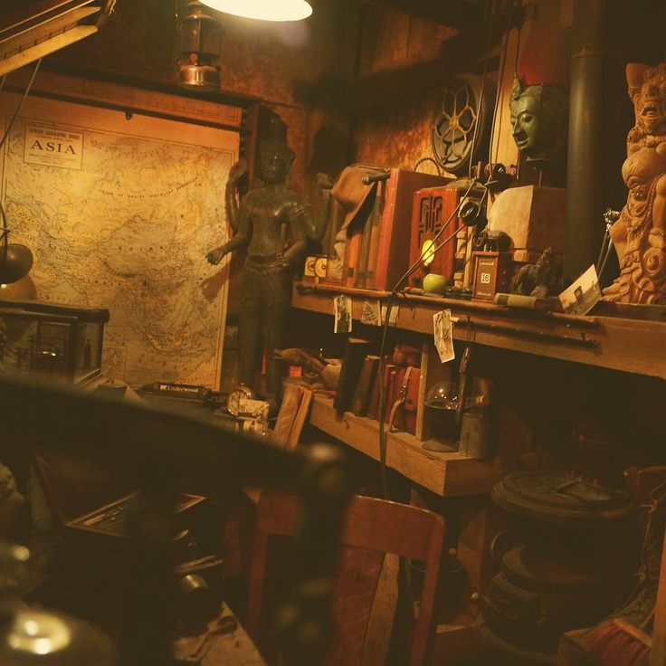 Indiana Jones office, Disneyland
