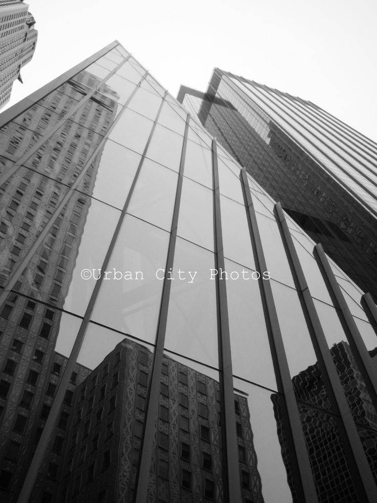 Cityscapes: New York. The Chrysler Collection.