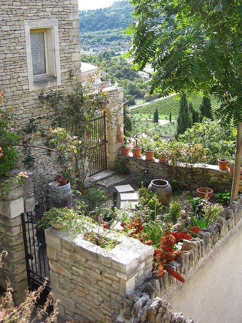 17 best images about small space gardening on pinterest for Pretty garden ideas