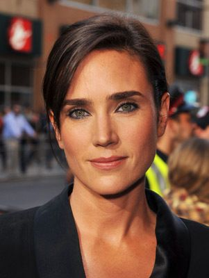 Jennifer Connelly, one of the young beauties. Fortunately you can pick her out from the gaggle.
