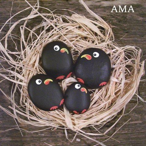 nestje vogels van stenen