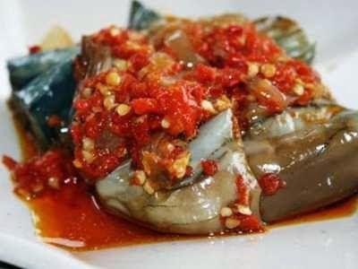 Mau tahu banget cara membuat sayur tumis terong ikan teri yang enak dan gurih, baca saja tipsnya disini.