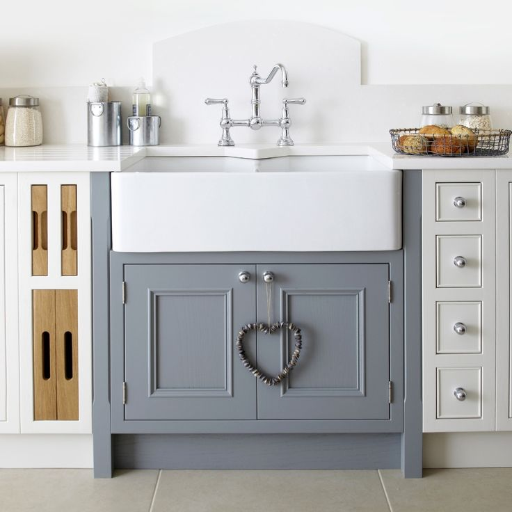 Burbidge's Salcombe Kitchen painted in Chalk and Lead - Chopping Board and Tray Sets, Spice Drawers