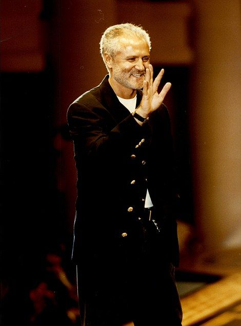 17 Best images about Gianni Versace on Pinterest | Gianni ...
