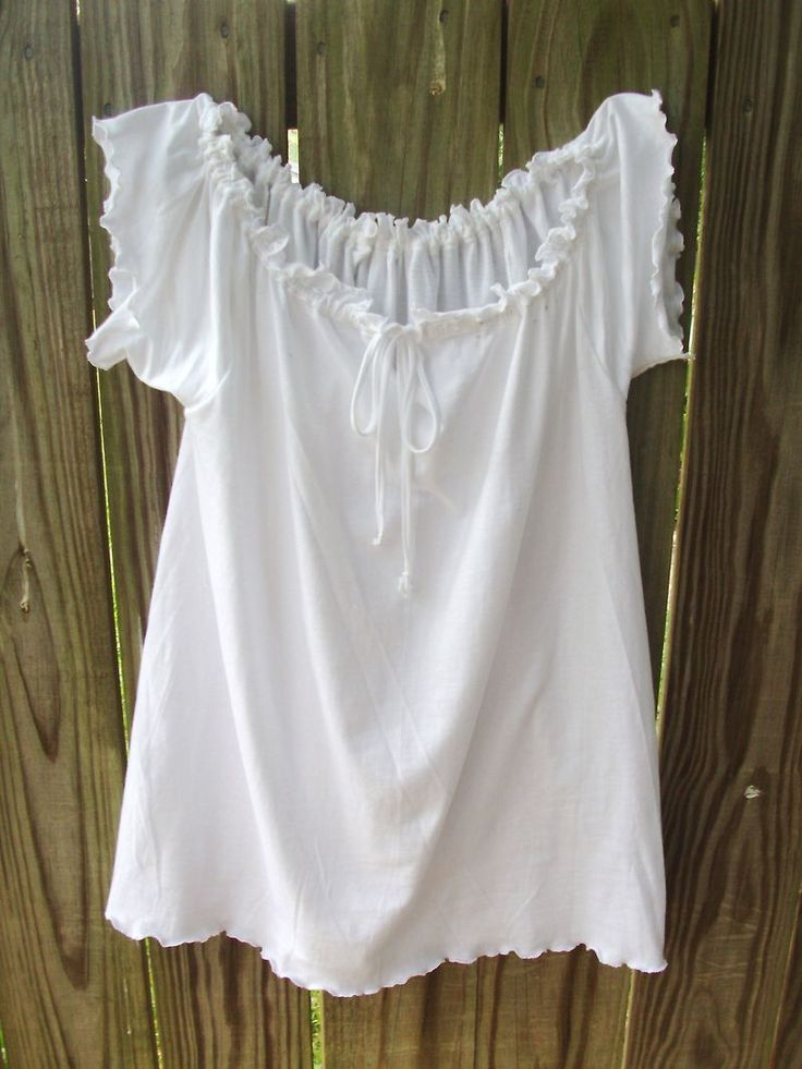 Make a t-shirt into a peasant top, brilliant! She doesn't really include the directions, but the visual is great!