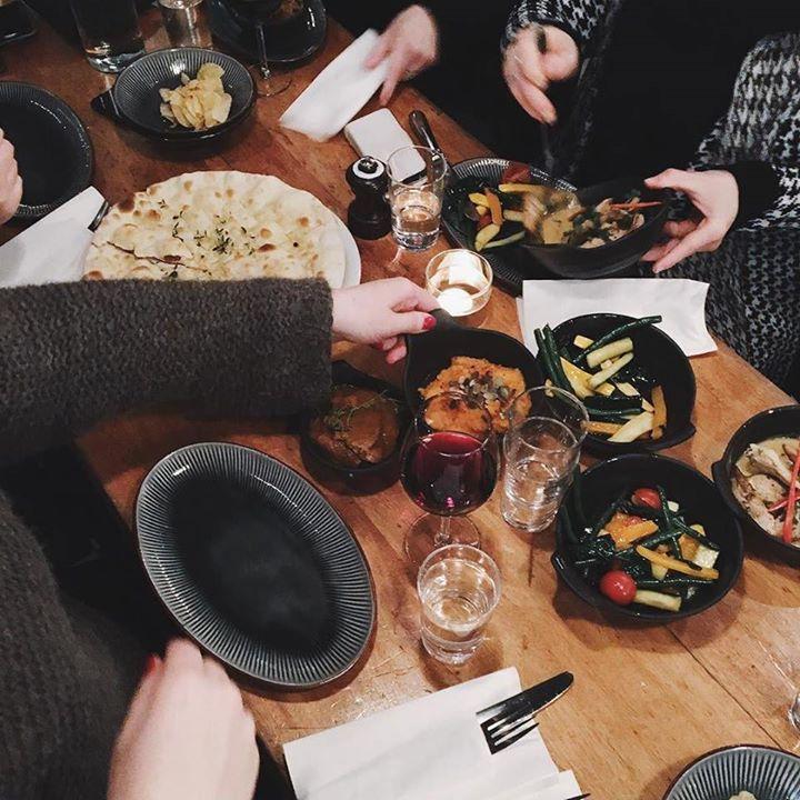 Tapas is always a good idea Ny tapas meny er på plass fra i dag og serveres tirsdag til lørdag fra kl.17.00. Velkommen! #kolonialenbislett #restaurant #tapas #chile #oslo #bislett av kolonialen_ http://ift.tt/1IOEisu