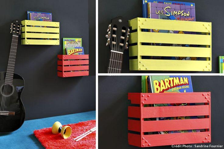 Et si vous vous lanciez dans la réalisation d'étagères porte-BD avec des caisses en bois ? Pour une chambre d'ado vitaminée.