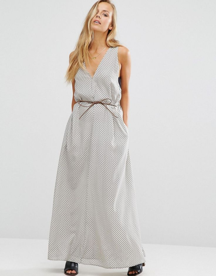 Get this Maison Scotch's cocktail dress now! Click for more details. Worldwide shipping. Maison Scotch Tie Waist Maxi Dress - Grey: Midi dress by Maison Scotch, Patterned fabric, V-neckline to front and back, Dropped armholes, Self-tie waist, Functioning side pockets, Regular fit - true to size, Machine wash, 100% Viscose, Our model wears a UK 8/EU 36/US 4 and is 173cm/5'8 tall. From the house of Amsterdam-based label Scotch & Soda, Maison Scotch channel a rock chic aesthetic and Parisian je…