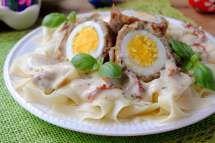 Wielkanocny obiad - makaronowe gniazda