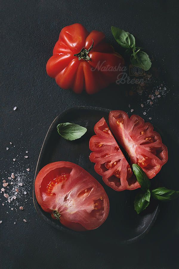 Tomatoes Coeur De Boeuf. Beefsteak tomato by Natasha Breen on 500px