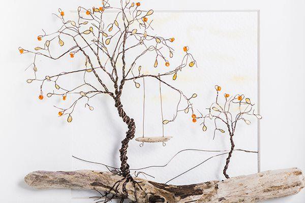 Játék a természettel. Ökokreatív képek: kavicsokból kirakott, drótból hajlított történetek