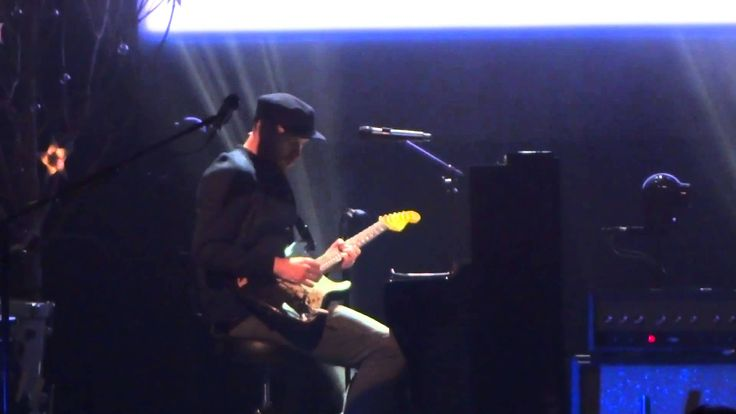 """""""Magic"""" ~~ This is the fifth song of Coldplay's Live concert for 'Ghost Stories' in New York City at the Beacon Theater, 5 PM showing on May 5, 2014.~~ Coldp..."""