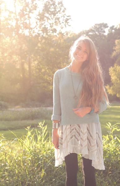 love how she layered this outfit...Looks like Free People! They have the layering thing down!