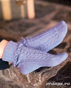 Ажурные носки спицами с рюшами.