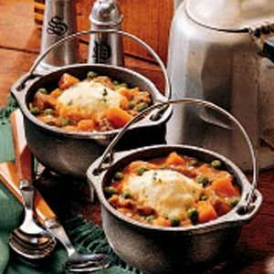 Shamrock Stew: A very warm Yum's Up! from Lodge Cast Iron. Don't forget to make cobblers, pot pies  and other recipes with this wonderful Lodge Country Kettles! These are also great for serving ice cream and other cold desserts!