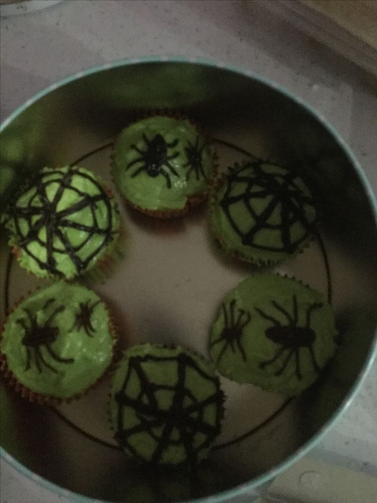 Creepy crawly cupcakes (cake mixture from Tesco)