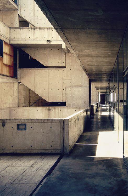 Salk Institute for Biological Studies | Photographer: Louis Kahn (via: n-architektur)