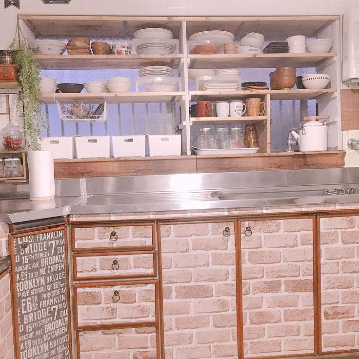 キッチン spf材 食器収納 古いキッチン 食器棚 などのインテリア実例 2017 11 27 17 01 19 Roomclip ルームクリップ キッチン 出窓 キッチン リフォーム Diy キッチン間取り