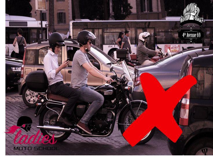 MOTO ESCUELA PARA MUJERES BY 4TH AVENUE 69   te informa El nuevo Reglamento de Tránsito capitalino entró en vigor este 15 de diciembre., Ten presente las nuevas multas y sanciones para no ser sorprendido los conductores de motocicletas y automóviles no pueden llevar objetos que  les impidan conducir con las dos manos, tampoco podrán manipular ningún dispositivo de comunicación, (teléfono celular, radio, cb etc..) #4thavenue69 #ladiesmotoschool