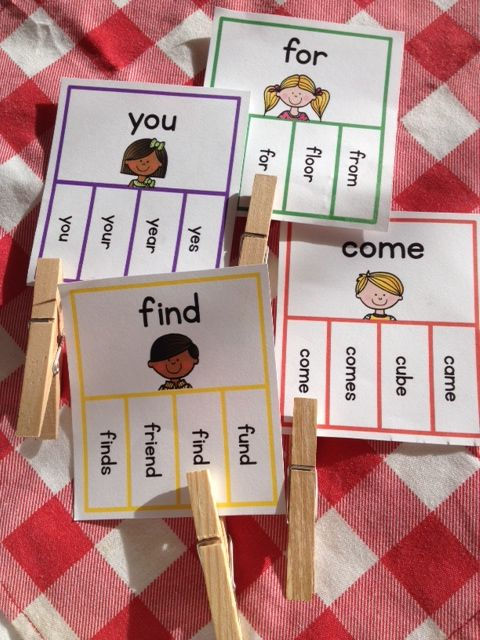 Sight word mastery is one of the keys to fluent reading. This set of 40 clip it task cards make memorizing sight words fun!   Every task card has a sight word (from the Pre-Primer Dolch list) on it. Students have to read the main sight word and clip the matching sight word at the bottom of the card. $