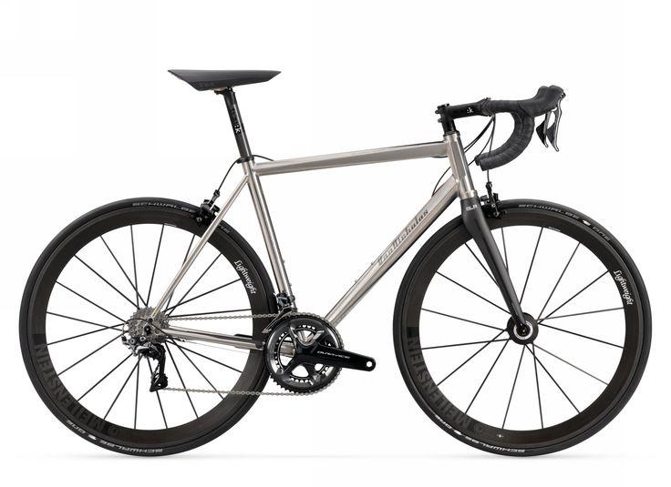 Caratteristiche tecniche, foto e prezzi delle migliori bici da corsa in titanio al mondo. Scopri chi le produce e quanto costano