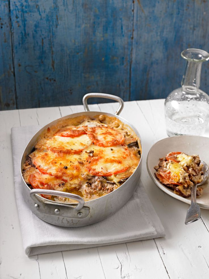 Moussaka - leckerer Auflauf mit Hackfleisch, Aubergine und Zwiebel