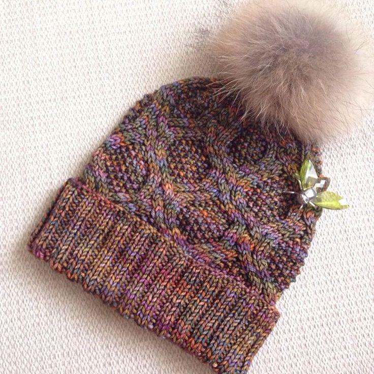 #вязание #вязаниеспицами # #handmade #knitting #вязаниемосква #knitsagram #handmade #вязанаяшапка #шапкаспомпоном #вяжуназаказ #пряжа #вязаниеназаказ #вязаныеноски #носки #детскийплед #теплыйплед #свитер #шарф #снуд #шапка #вяжутнетолькобабушки #рубан #ruban #malabrigo ПРОДАНА