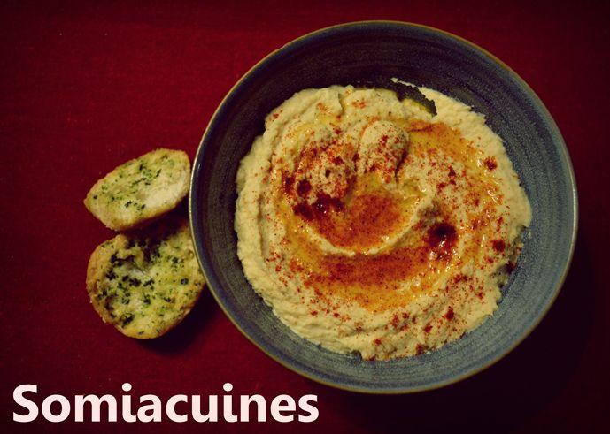 Hoy os traigo una receta típica de la cocina árabe, el hummus, un puré de garbanzos que ha ido cogiendo protagonismo en nuestras cocinas. Hace unos años en España era un plato muy poco conocido y a...
