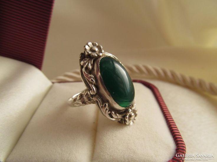 Antik köves ezüst gyűrű - ötvös ékszer