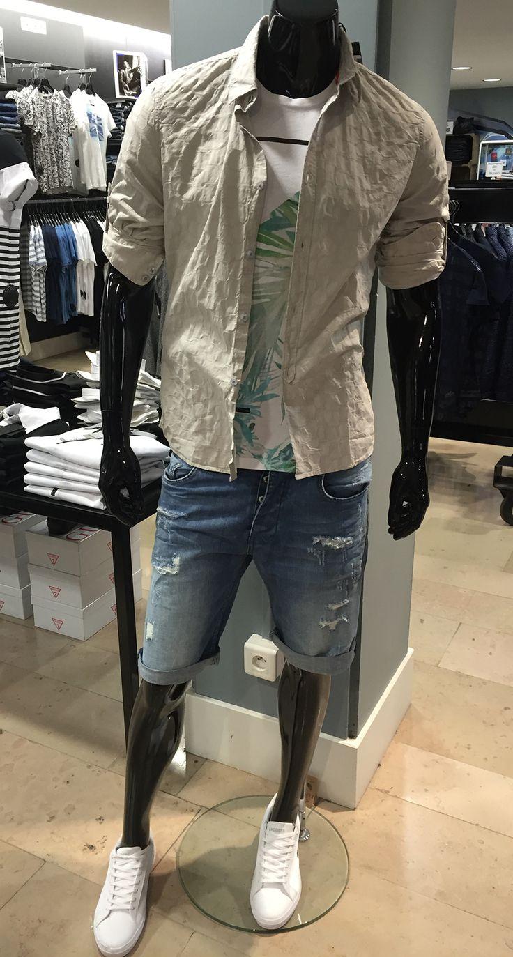 Le soleil arrive, votre look d'été léger et décontracté ! Tee-shirt Pepe jeans + Chemise Guess + Bermuda Kaporal + Basket Lacoste. Rendez-vous chez Parano à Reims
