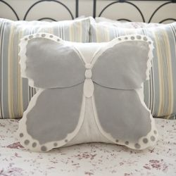 Another Super Cute Thing I Made with Felt, This Time…A Butterfly Pillow Cover   click~visit the source