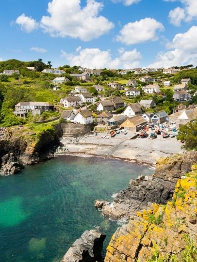 Cadgwith Cove on the Lizard Peninsula, Cornwall England UK