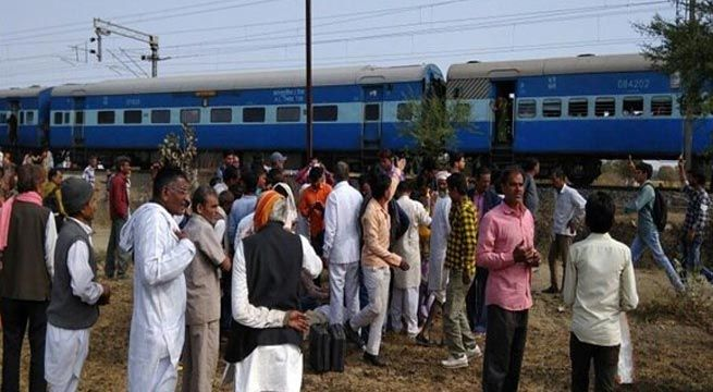 Bhopal: The National Investigation Agency (NIA) team on Wednesday reached Bhopal for investigating the Bhopal-Ujjain passenger train explosion that took place on Tuesday. Madhya Pradesh Home Minister Bhupendra Singh has called the explosion to be the first ever attack of Islamic State in Iraq...