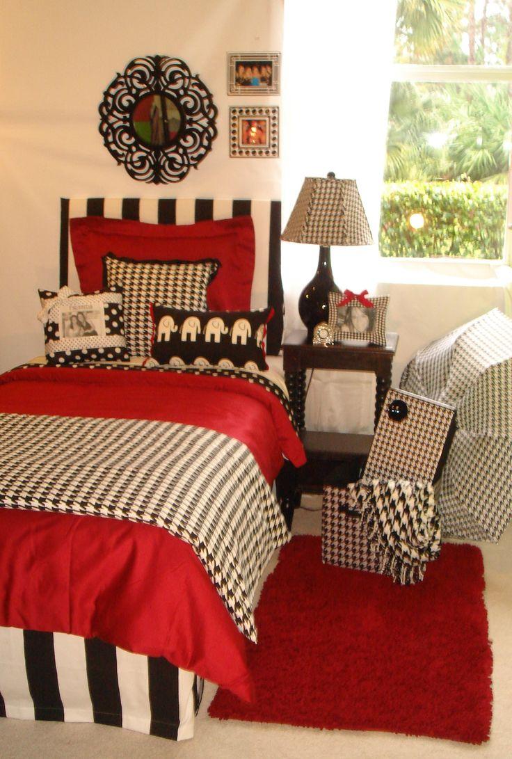Roll Tide!Guest Room, Dorm Stuff, Guest Bedrooms, Rolls Tide, Child Bedrooms, Beds Sets, Roll Tide, Dorm Room Beds, Red Black