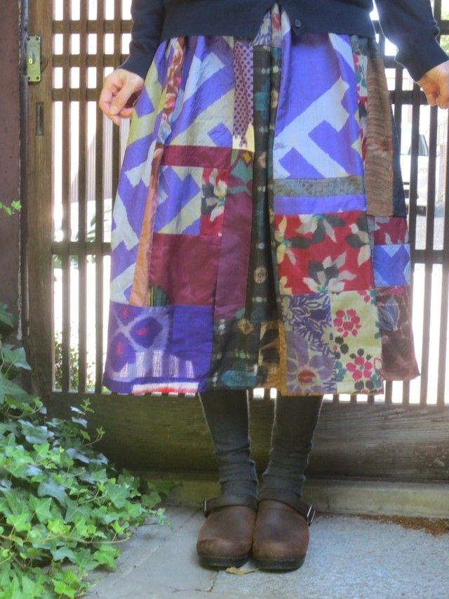 銘仙リメイク☆青紫がポップ…アンティークの着物を集めて♪75㎝丈 作品詳細   西垣洋子   ハンドメイド通販 iichi(いいち)