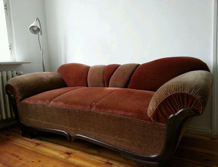 die besten 25 altes sofa ideen auf pinterest louisa may alcott reifensitze und seil reifen. Black Bedroom Furniture Sets. Home Design Ideas