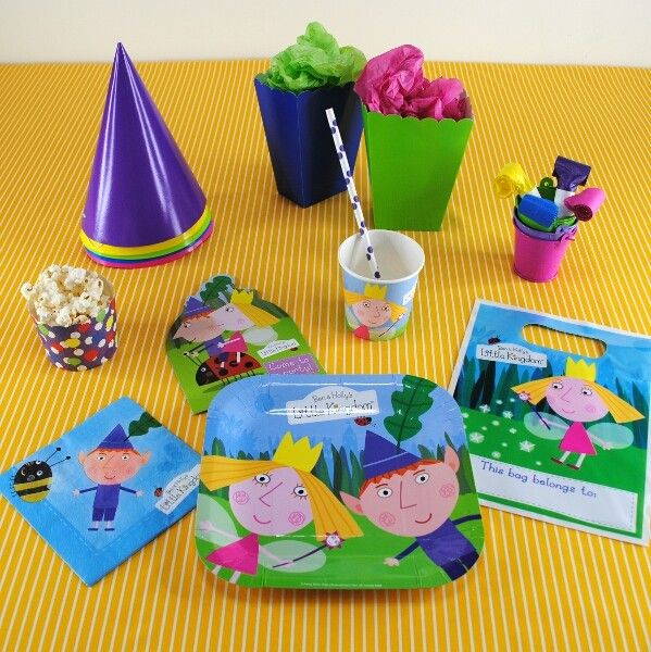 The Party Cupboard : Ben & Holly Party Plates : Ben & Holly Themed Party Plates : Party Tableware
