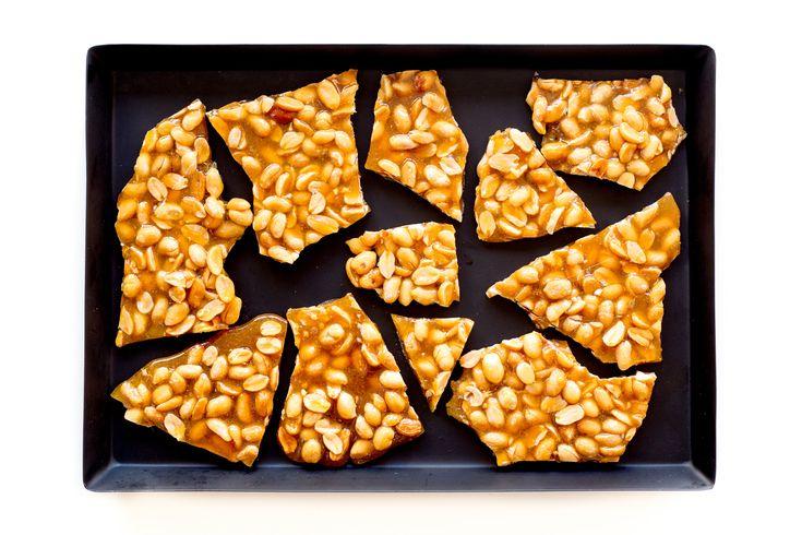 Peanut brittle - crocant de alune si caramel - Mazilique