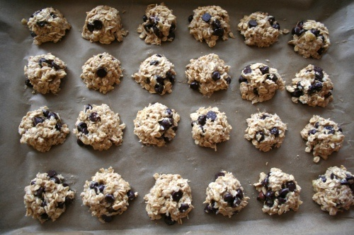 Chocolate chip oatmeal cookies sweetened with bananas instead of sugar.  Looks Yummy!