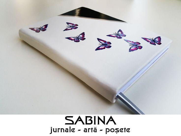 Jurnal A5, piele ecologica alba, cu fluturi pictati
