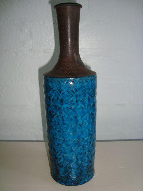 KÄHLER vase NILS KÄHLER #nilskähler #klitgaarden #hermanakähler #kähler #vintagekähler #HAK #danishdesign #danishceramics #danishpottery #danskkeramik #vase  SOLGT/SOLD on www.klitgaarden.net..