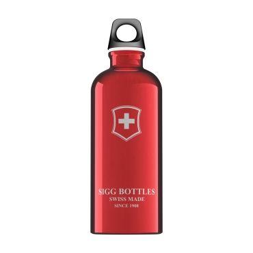 SIGG flessen zijn geperst uit één schijfje van zuiver aluminium voor een naadloze, lekvrije, duurzame fles.