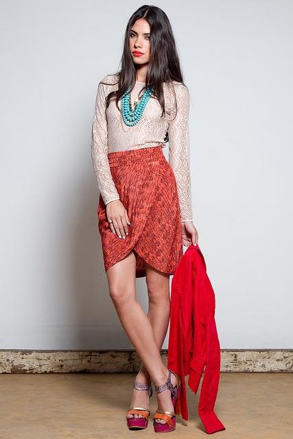 Falda Tulipán AllOver Print $400 / Anillo Coral y Madera $80 by Consultorio de Estilo, via Flickr