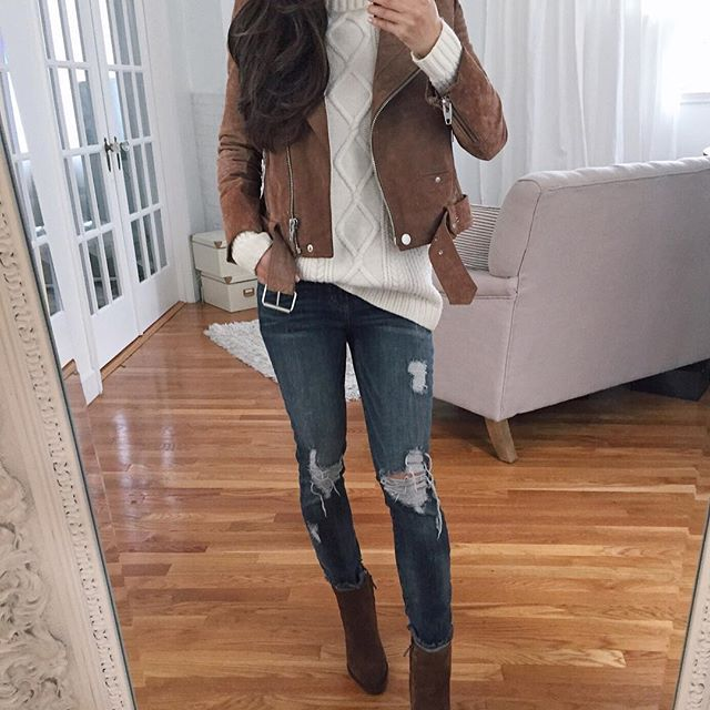 70 degrees last weekend...10 this weekend 😩 wishing Boston weather would make up its mind! On a brighter note, I found my favorite booties restocked in almost all sizes! My outfit details are here: http://liketk.it/2qAQG or on my blog under the InstaShop tab. (my jeans are sold out but I linked a similar & very affordable pair by the same brand)