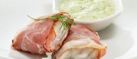 Gestoomde kabeljauwhaasjes met rauwe ham