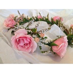 A very pretty flower crown for a bridal shower.